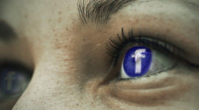 Oeil Facebook